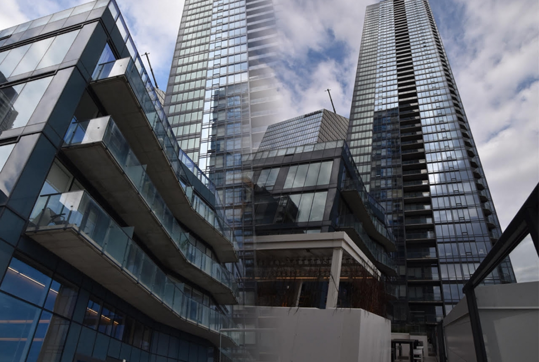 Tour des Canadiens Penthouse for sale