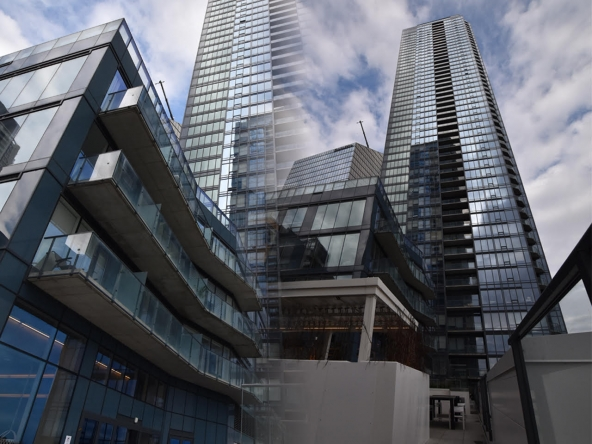 Tour des Canadiens Penthouse for sale