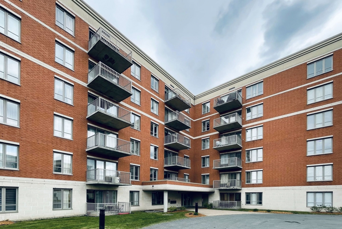 2 BR condo for sale in Ville St-Laurent